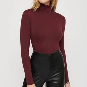 WILFRED ONLY TURTLENECK  BURGUNDY TOP SIZE XS